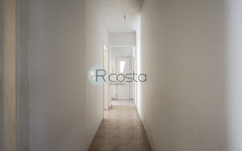 Apartamento T4 \ 115m2 , prédio com elevador !
