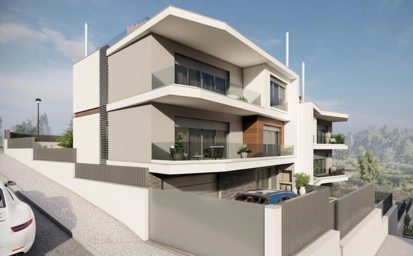 Moradia V4 com Piscina – Em Construção